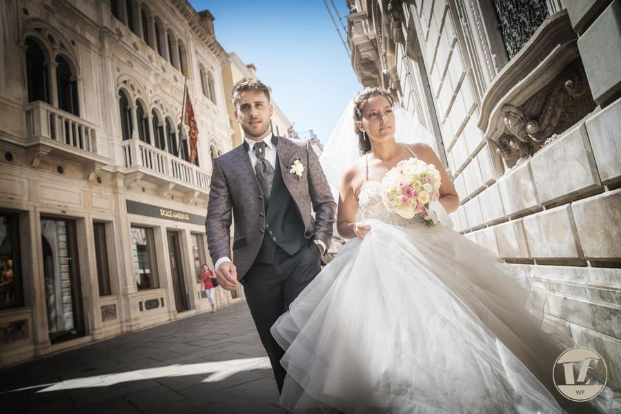 Venice intimate wedding photographer