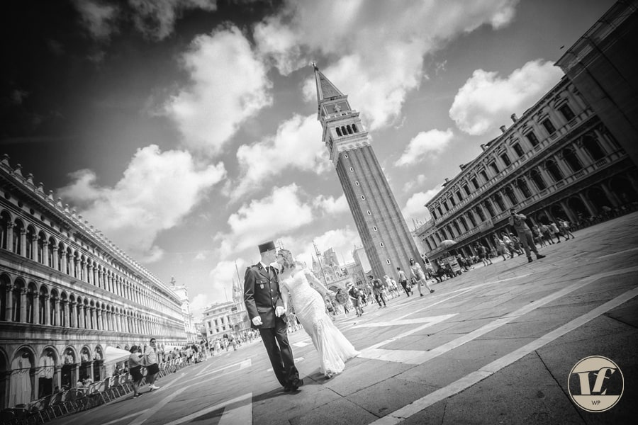 Venice elopement photographer. Intimate destination wedding in Italy. Luca Fabbian international award winning photography