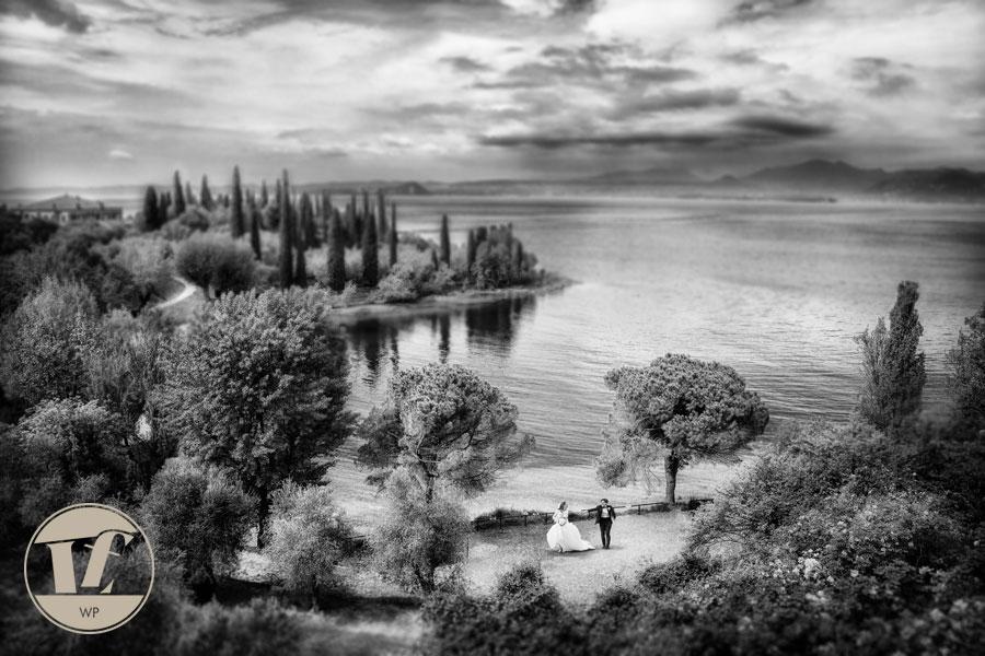 Lake Garda destination wedding photographer. Malcesine, Lazise, Brenzone, Garda, Torri del Benaco, Costermano, La casa degli spiriti.