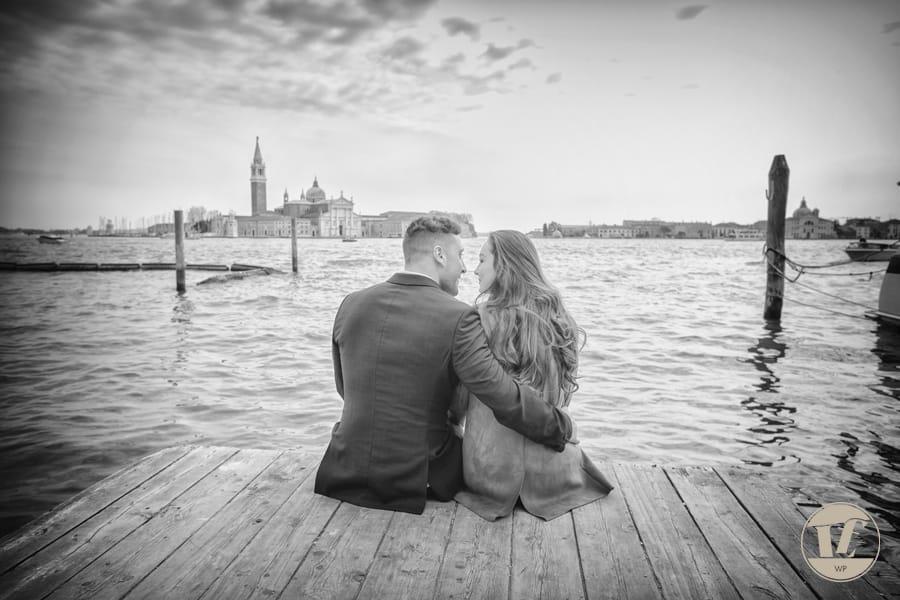 Venice gondola surprise proposal under the Bridge of Sighs