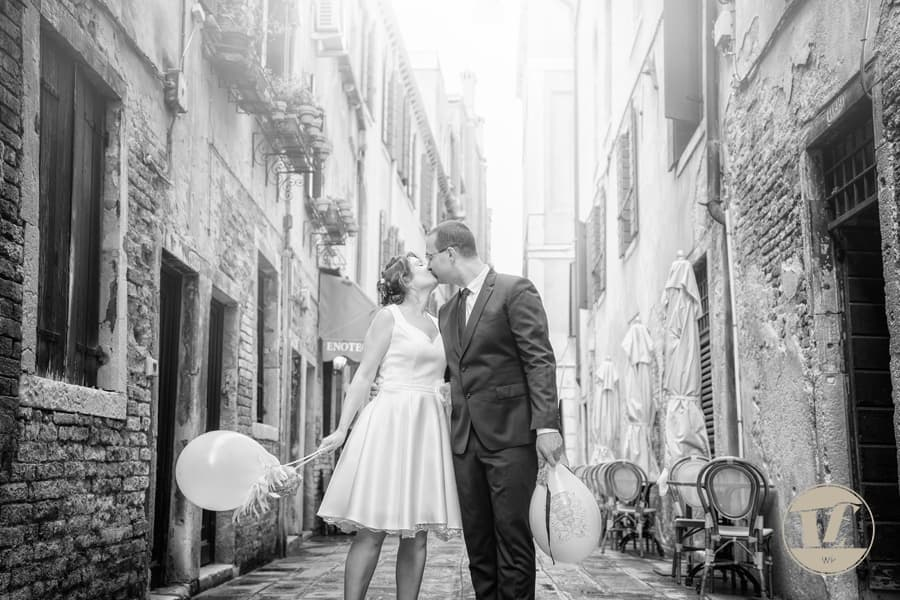 Venice wedding photographer - Luca Fabbian - award winning destination wedding photography in Italy