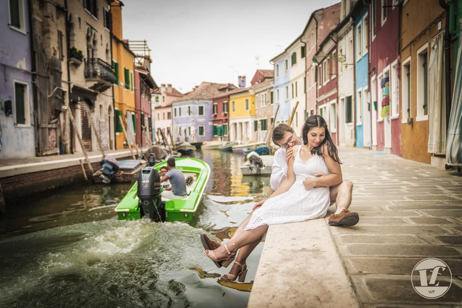 Burano couple photographer
