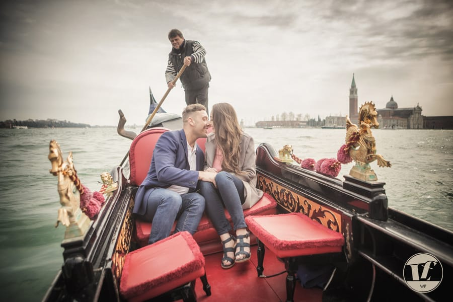 proposing on a gondola in venice