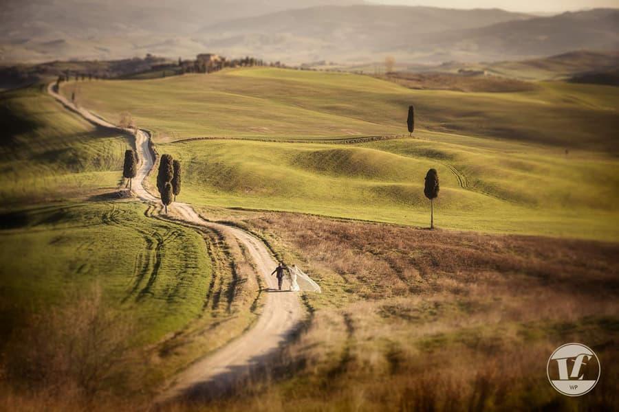 destination wedding photographer tuscany italy