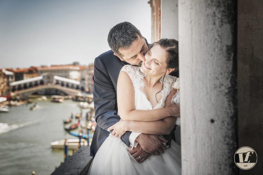 Rialto Bridge from Paazzo cavalli - wedding photographer Venice