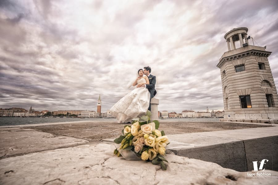windy day in Venice - elopement photography
