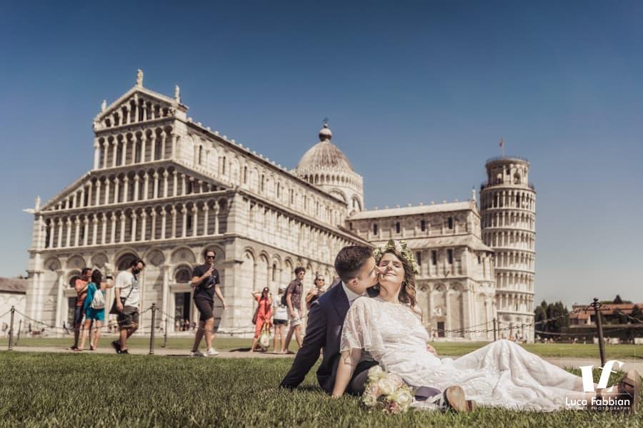 Wedding photo at Piazza dei Miracoli - Pisa