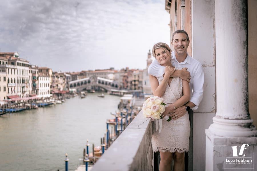 Venice elopement picture with the backdrop of the Rialto Bridge