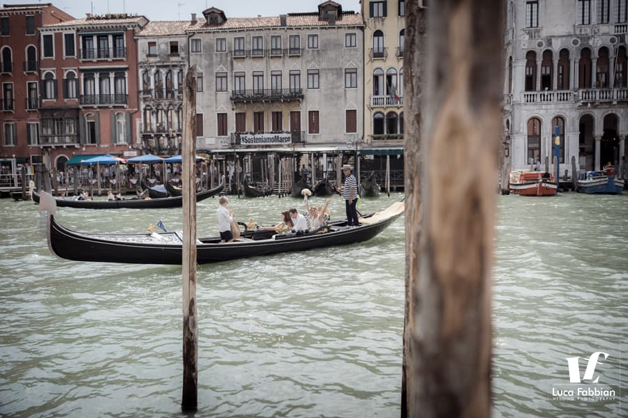 Venice elopement gondola ride